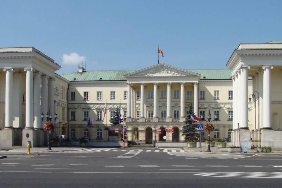 Warszawa podsumowuje swoje finanse w 2020 roku. Dochody bezwzględnie w dół
