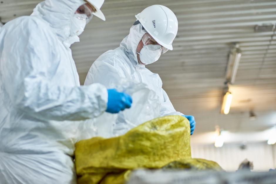 Rozpoczęto wywożenie niebezpiecznych odpadów z Mysłowic