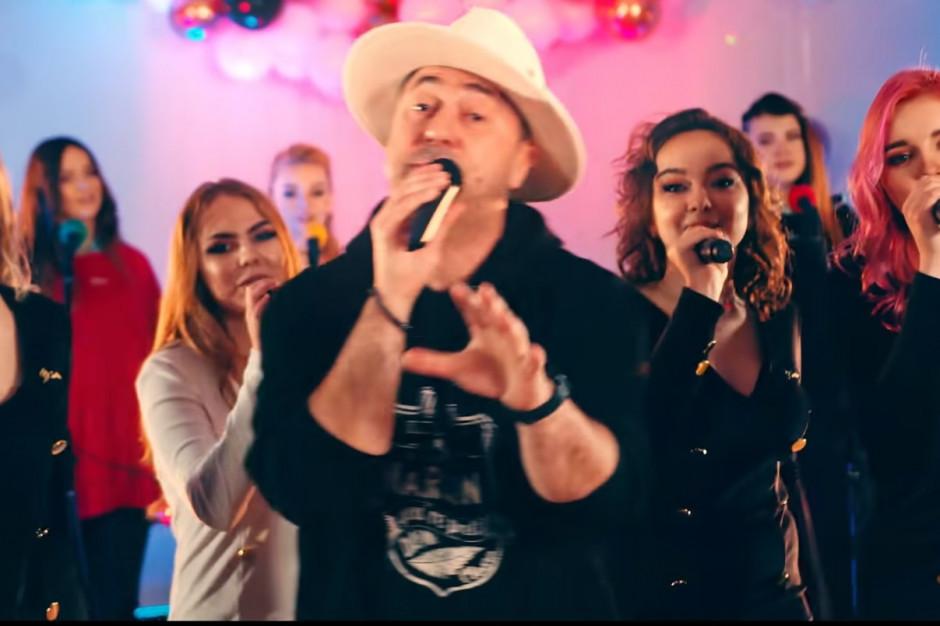 Klasa disco polo liceum w Michałowie nagrała teledysk z zespołem Boys