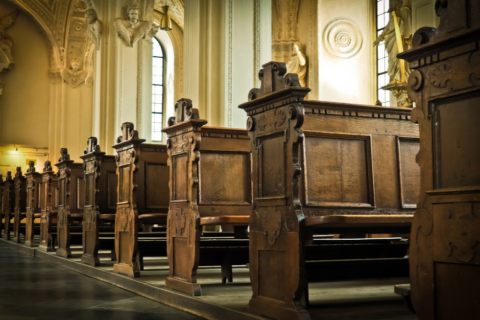 Dziennik Ustaw: do 5 czerwca 2021 w kościołach może przebywać jedna osoba na 15 mkw.