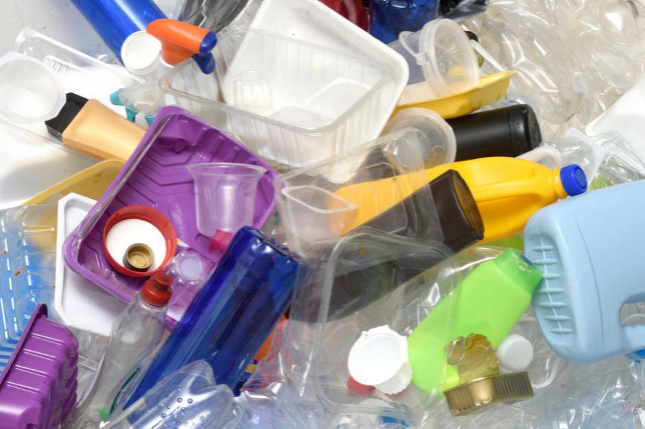 Przedsiębiorcy: Projekt ustawy wdrażającej dyrektywę plastikową jest niekompletny