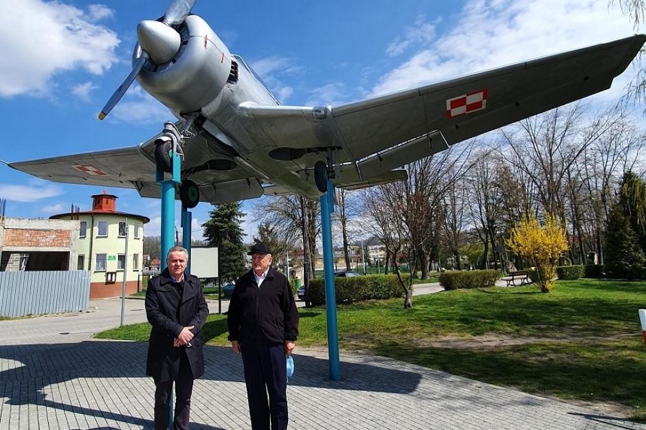 Władze Pińczowa chcą powrotu szkoły pilotów