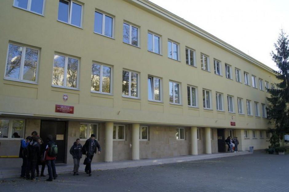 Warszawa: W poniedziałek ruszy nabór do liceów, techników i szkół branżowych I stopnia