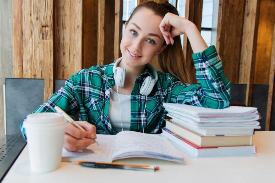 Rekrutacja do szkół ponadpodstawowych 2021: harmonogram, terminy, dokumenty