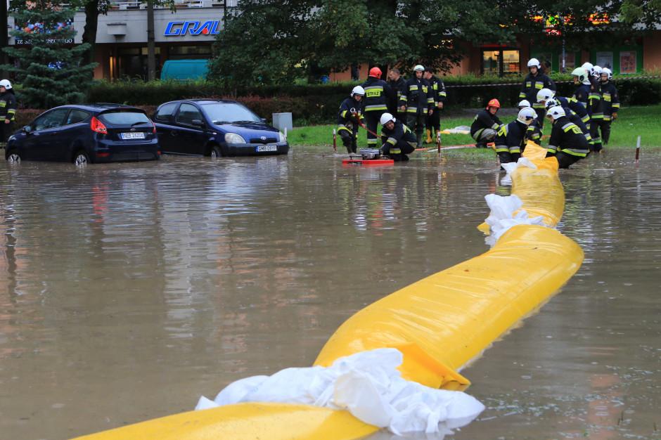 Powiaty o wytycznych Ministra Spraw Wewnętrznych i Administracji: w obliczu klęsk żywiołowych można będzie zostać bez wsparcia