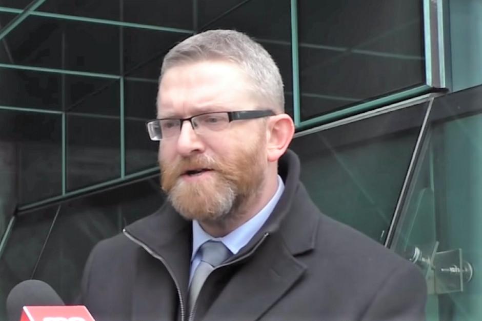Rzeszów: Nadzwyczajna sesja rady miasta przerwana; powód - poseł Braun nie chciał założyć maseczki