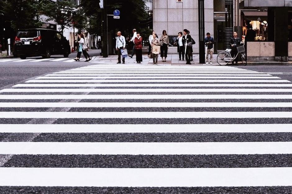 Są nowe przepisy dla kierowców i pieszych