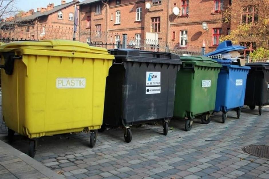 Miasto zostaje bez pojemników na śmieci. Wszystko przez zmianę firmy