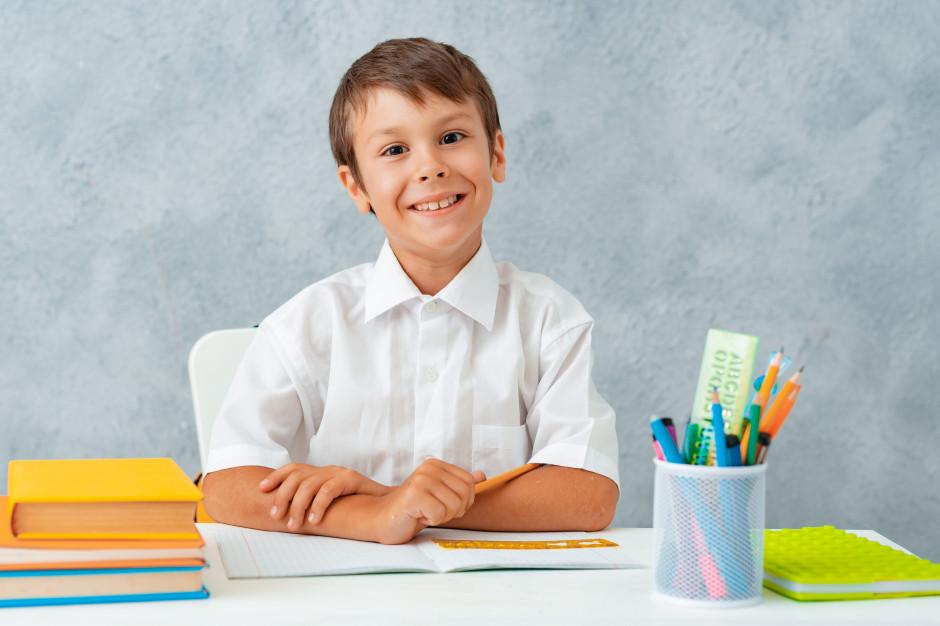 Egzamin ósmoklasisty: Pisanie e-maila i rozumienie tekstu z języka obcego. Jest arkusz