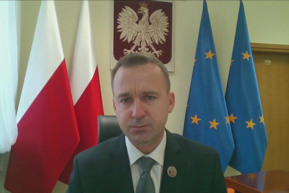 Minister Cieślak: nie możemy uzależniać kwoty wolnej od podatku wpływami do JST
