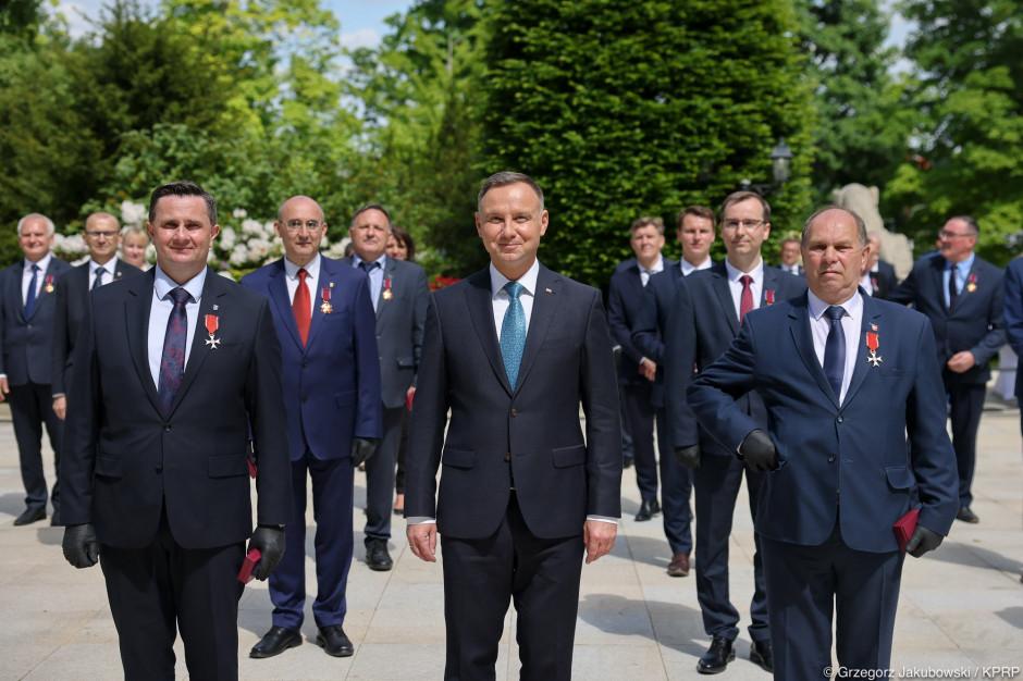 Prezydent Andrzej Duda wręczył odznaczenia z okazji Dnia Samorządu Terytorialnego
