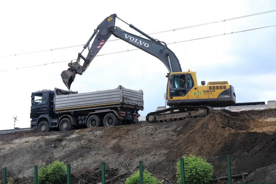 Nowe utrudnienia drogowe w Krakowie. Trwa ostatni etap prac pod wiaduktem kolejowym