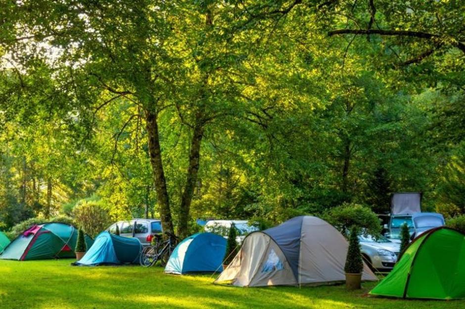 Wytyczne dla obozów pod namiotami. Ważne wskazania GIS