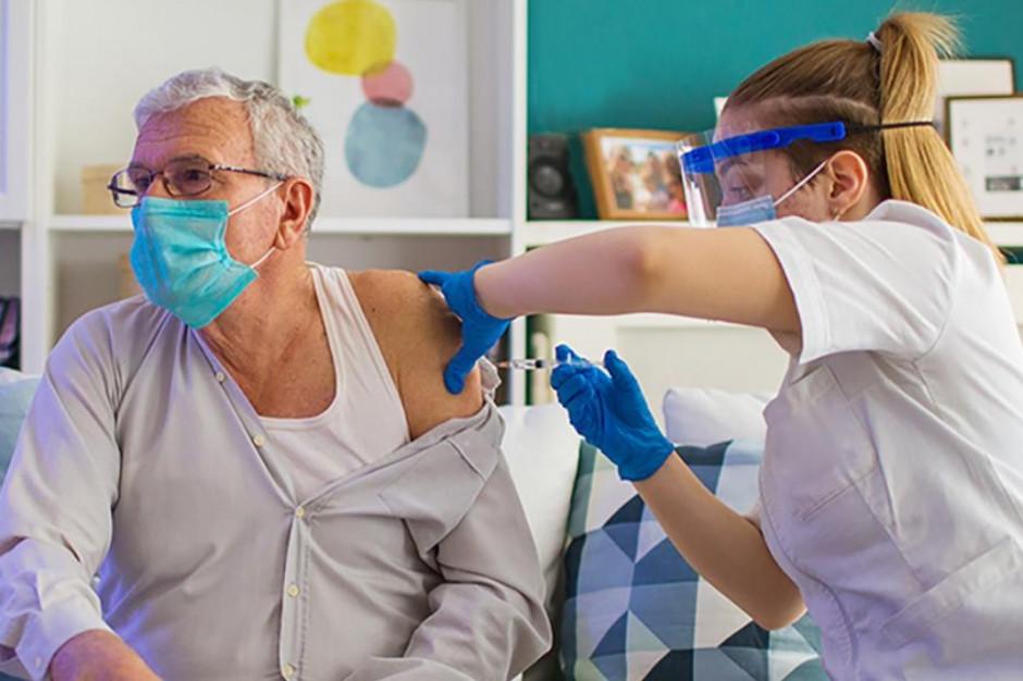 Nowe schematy szczepień. Krótszy odstęp między dawkami Moderny i Pfizera
