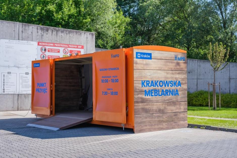 PSZOK w Krakowie zajął się naprawą mebli