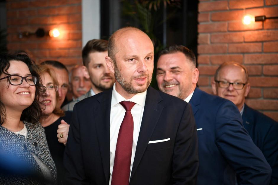 Exit poll: Konrad Fijołek wygrywa wybory w Rzeszowie w pierwszej turze