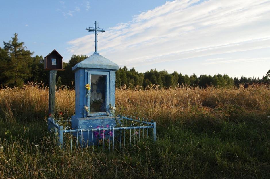 Warmińsko-mazurskie: Samorządy chcą wspólnie ratować zabytkowe kapliczki