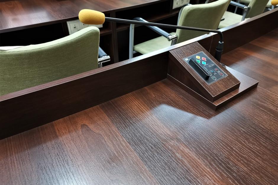 Kielce: Nie odwołali przewodniczącego rady miasta. Do głosowania nie doszło