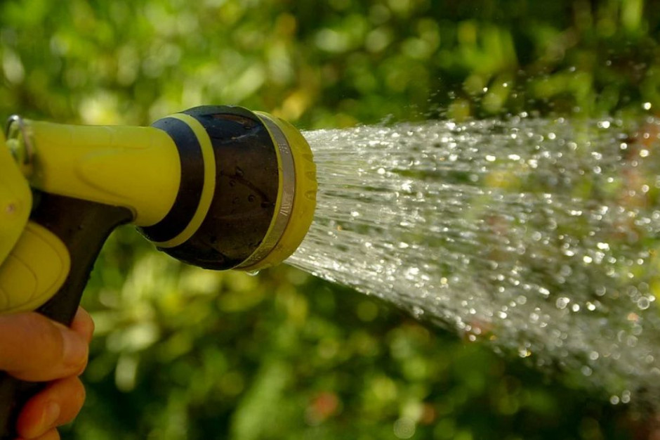 Problemy z wodą w gminach. W Pleszewie straż miejska będzie karać za podlewane ogródków