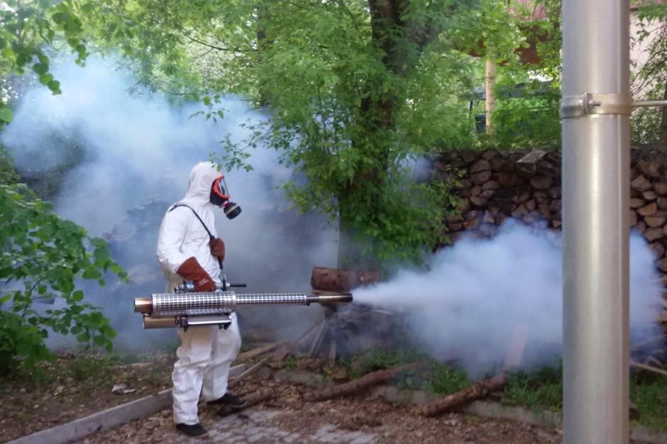 Opryskiem w komara? Coraz rzadziej i mniej chętnie