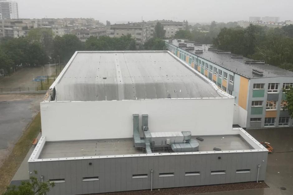 Zawalił się dach szkolnej hali sportowej w Poznaniu