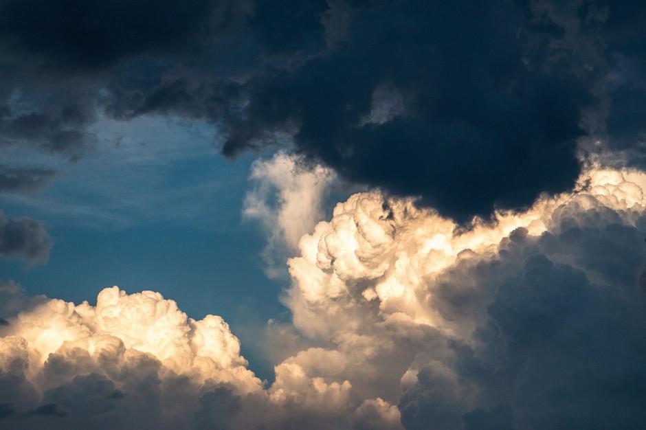 IMGW ostrzega: Możliwe burze, ulewy i silny wiatr