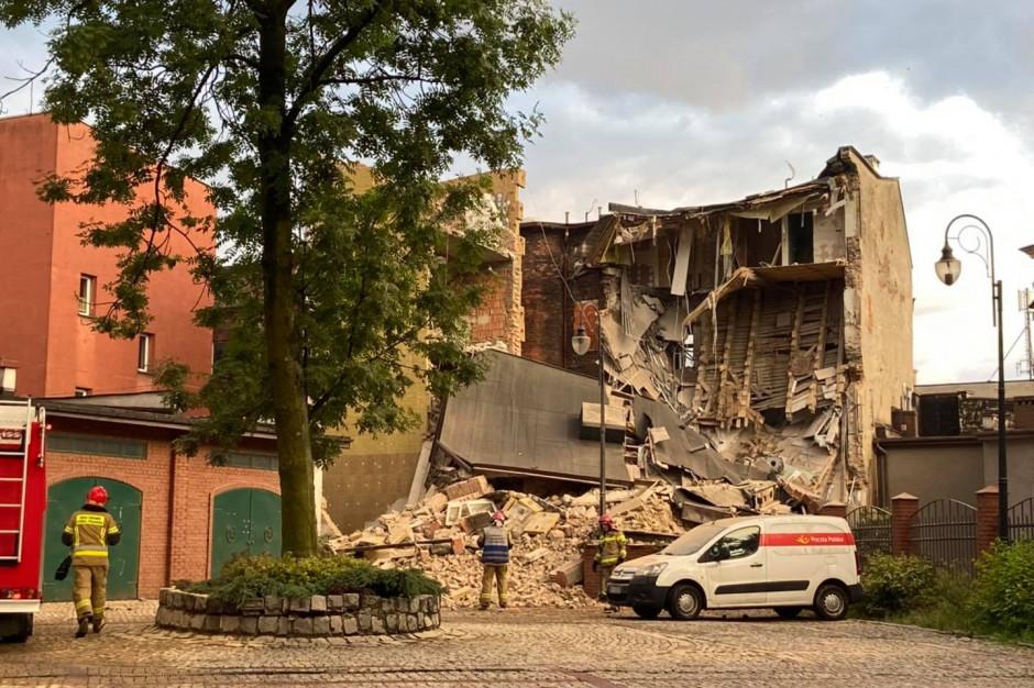 W Chorzowie przy ulicy Dworcowej zawaliła się kamienica