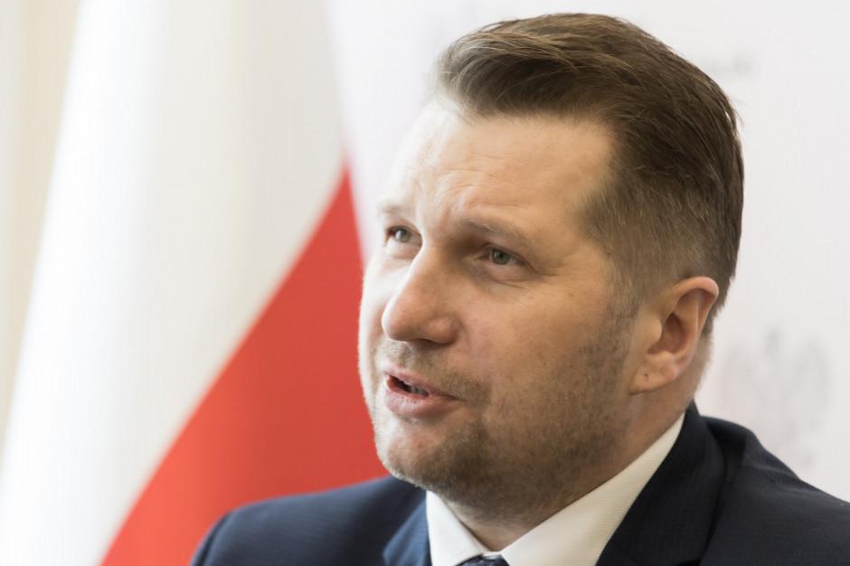 Czarnek: do 2 mln zł dla podmiotów na wsparcie nauki