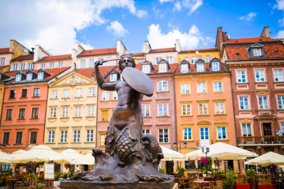Warszawa nie obniży opłat za ogródki gastronomiczne