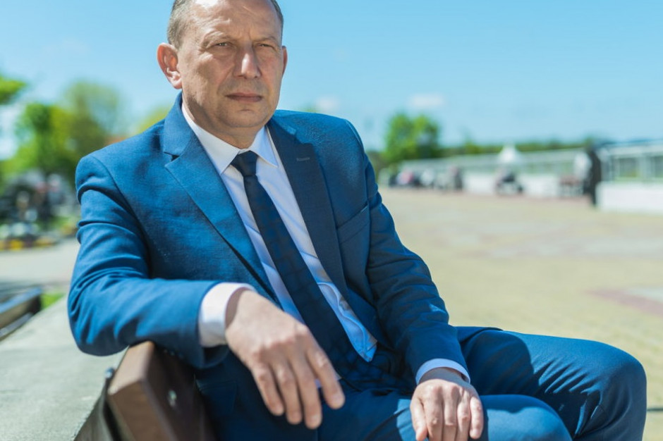 """""""Okręt pozostał bez sternika"""". Nowy burmistrz Ustki chce kontynuować wizję poprzednika"""