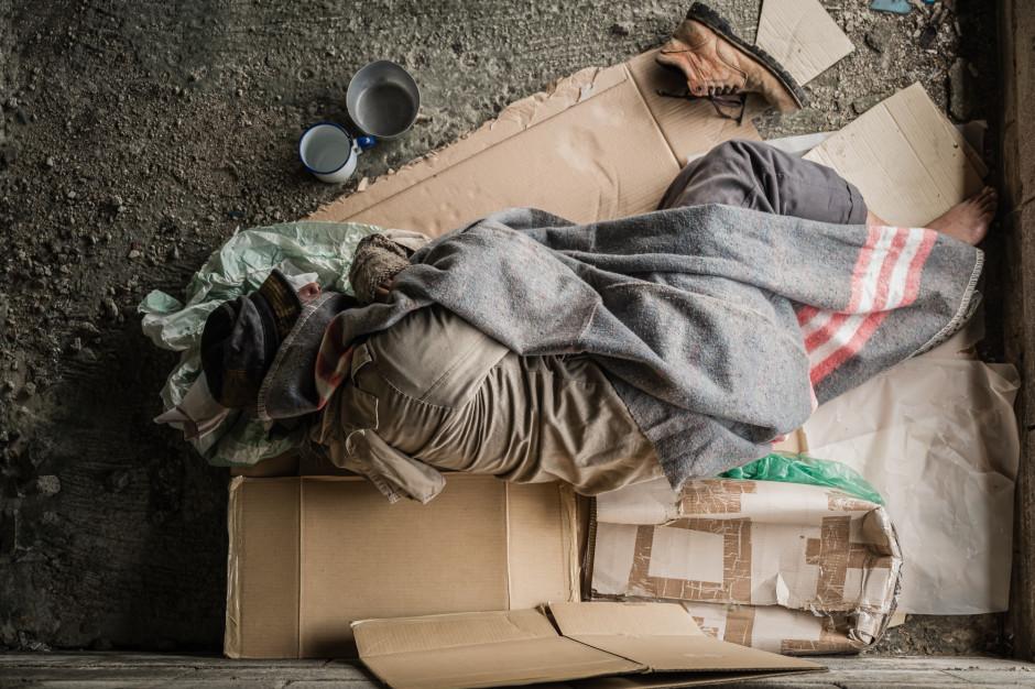 Wojewoda łódzki przekaże pieniądze na pomoc w wychodzeniu z bezdomności