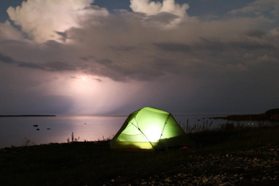 Burze w warmińsko-mazurskim. Ewakuowano pięć obozów harcerskich