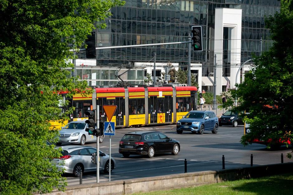 W Warszawie zaczyna się drugi etap remontu torowiska na placu Bankowym. Utrudnienie w komunikacji