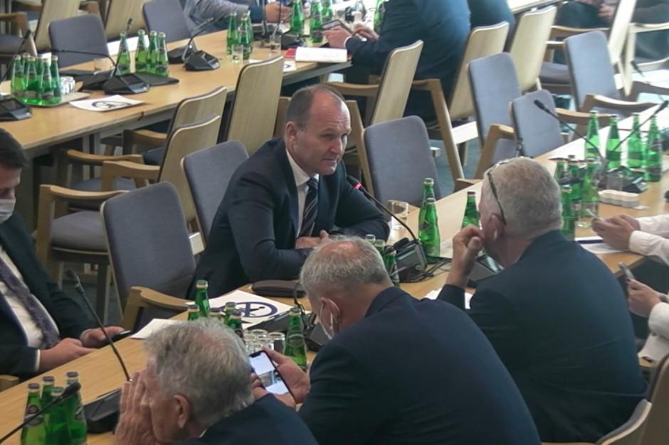 Inwestycje Polskiego Ładu finansowane z Krajowego Planu Odbudowy? Posłowie kontra minister