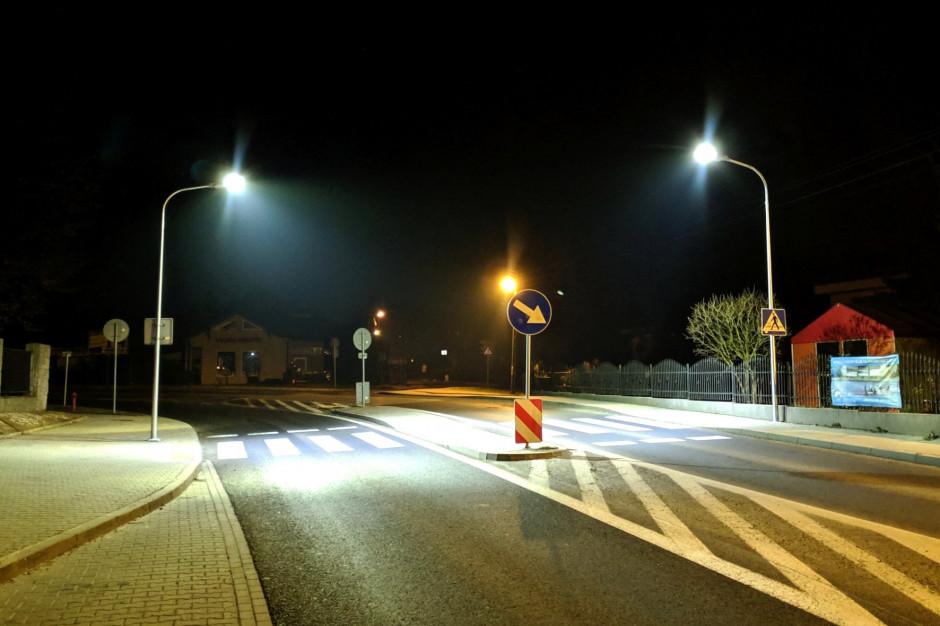Będzie bezpieczniej na gminnych i powiatowych drogach. Premier zatwierdził listy inwestycji