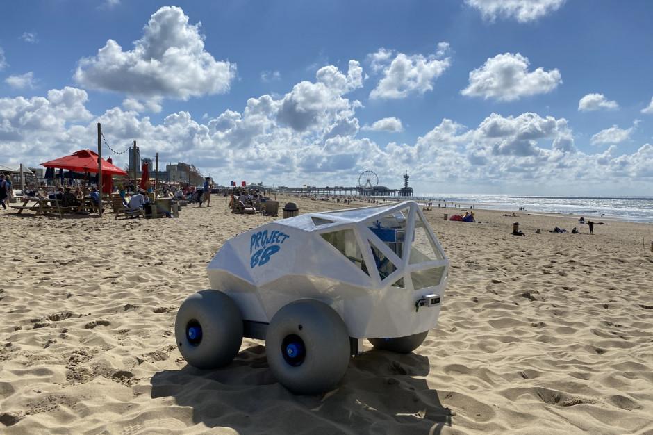 Robot zbiera śmieci. Na razie na plażach, ale w planie ma parki i skwery