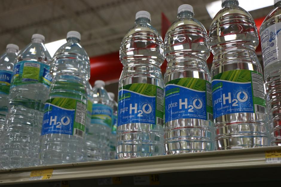 Władze lokalne przenoszą odpowiedzialność za recykling na duże firmy