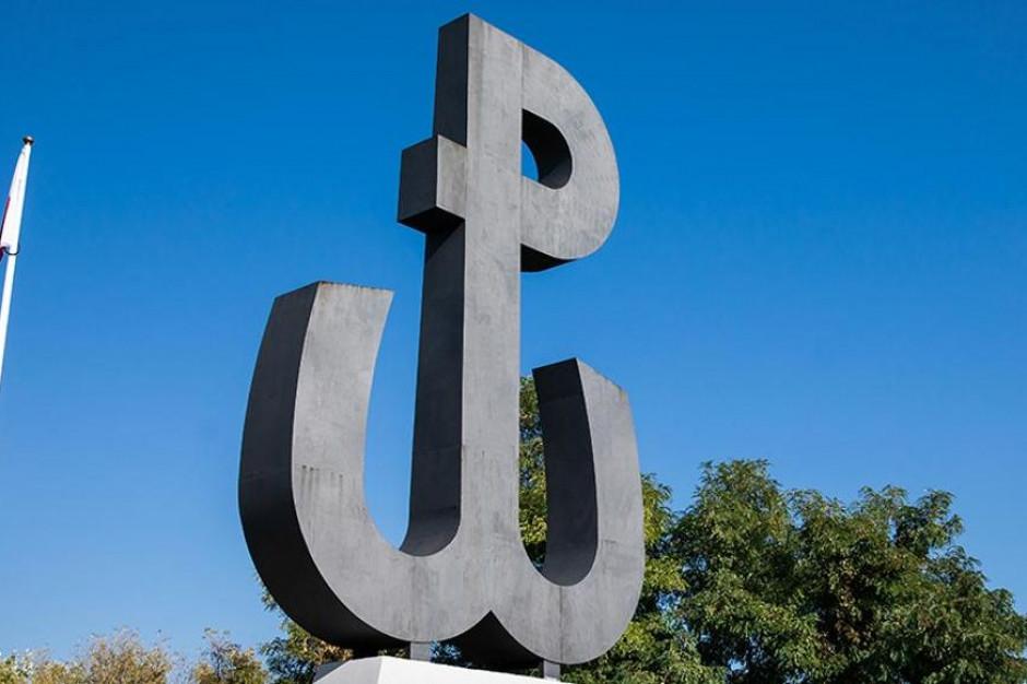 Rocznica wybuchu powstania warszawskiego. Radny rapuje o powstańcach