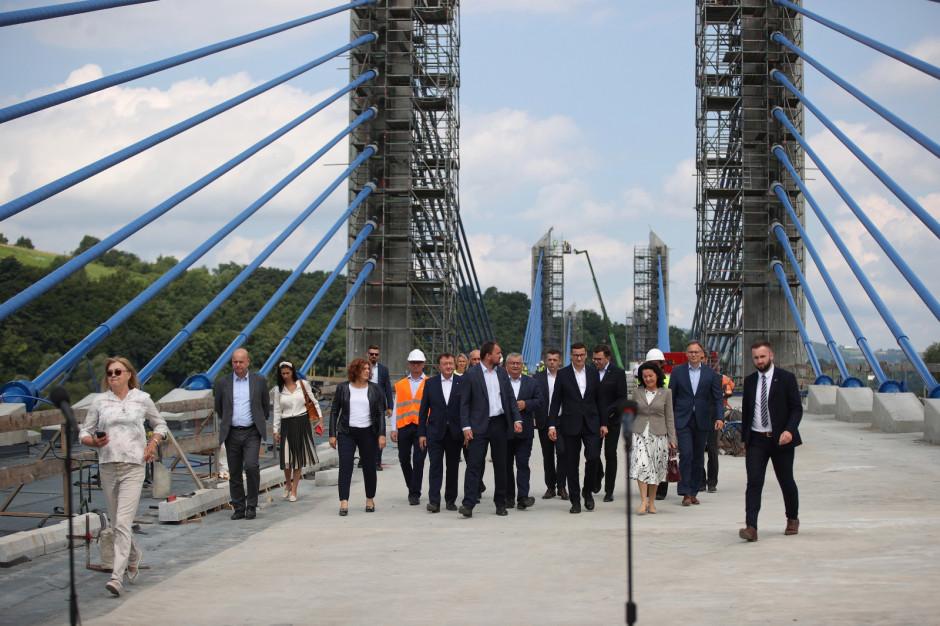Premier: powstaje piękny most, zwiększą się szanse rozwojowe Sądecczyzny