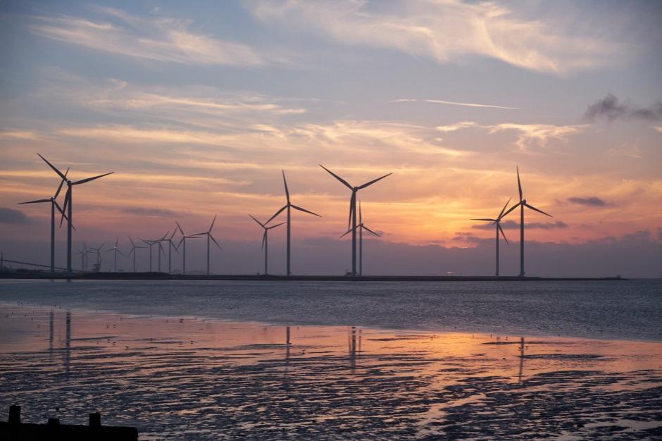 Budowę portu do obsługi morskich farm wiatrowych przewiduje projekt noweli o bezpieczeństwie morskim