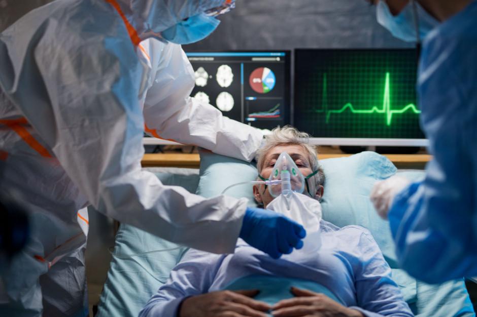W szpitalach jest 295 chorych z COVID-19