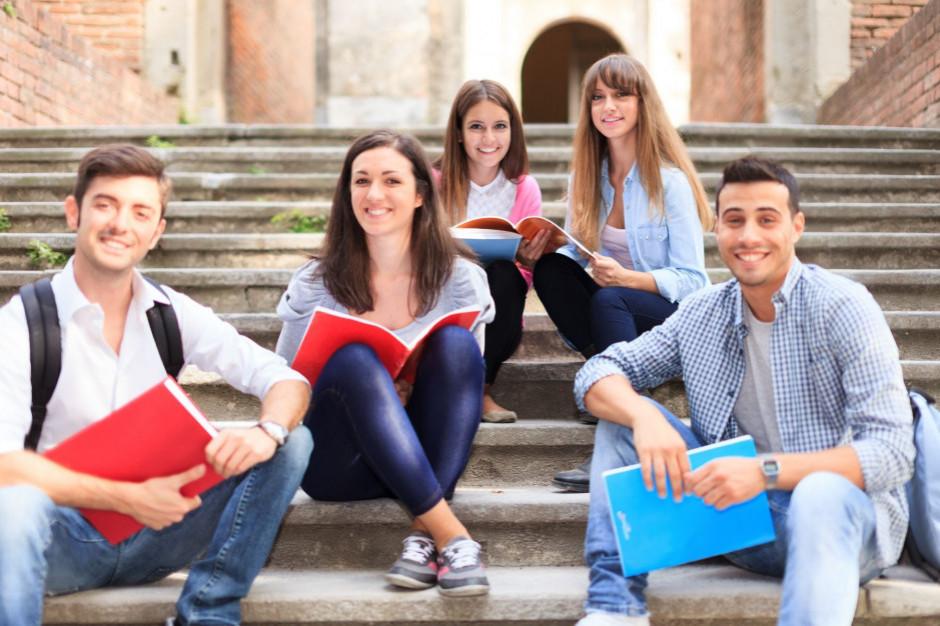 Ponad tysiąc wolnych miejsc w szkołach w regionie