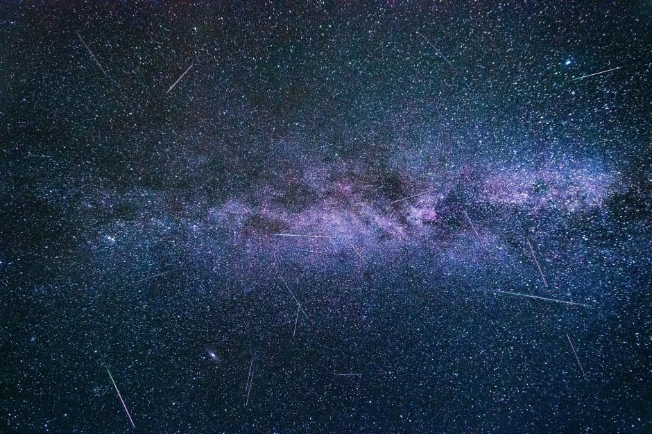 12-13 sierpnia maksimum Perseidów. W miastach pikniki astronomiczne