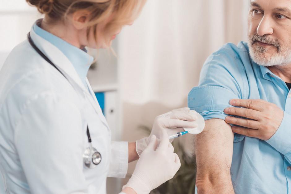 Bezpłatna szczepionka przeciwko grypie m. in. dla służby zdrowia i nauczycieli