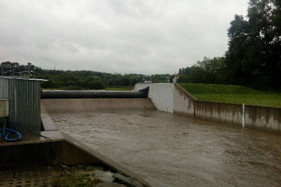 Rzeki wezbrane po deszczach, ale nie ma zagrożenia powodzią w regionie