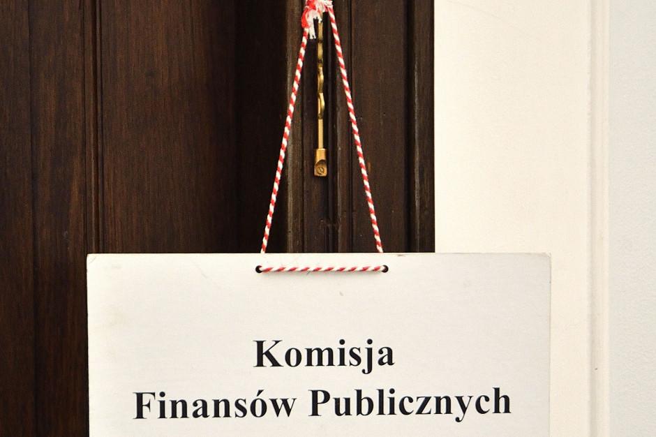 Sejmowa komisja za projektem ustawy PiS ws. podwyżek