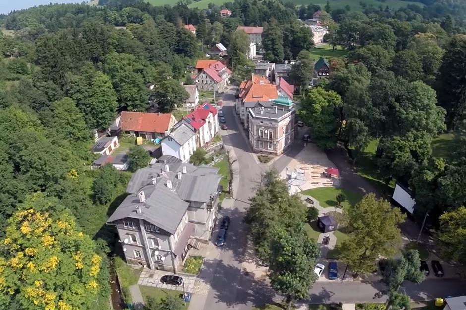 Kultowa wieś zagrożona degradacją? Mieszkańcy bronią Sokołowska