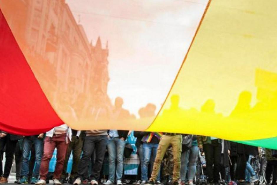 """Posłowie Lewicy i aktywiści apelują o uchylenie deklaracji """"anty-LGBT"""""""