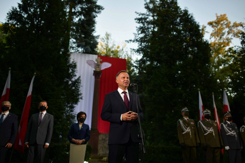 Rozpoczął się Apel Pamięci przed Pomnikiem Poległych w 1920 r.