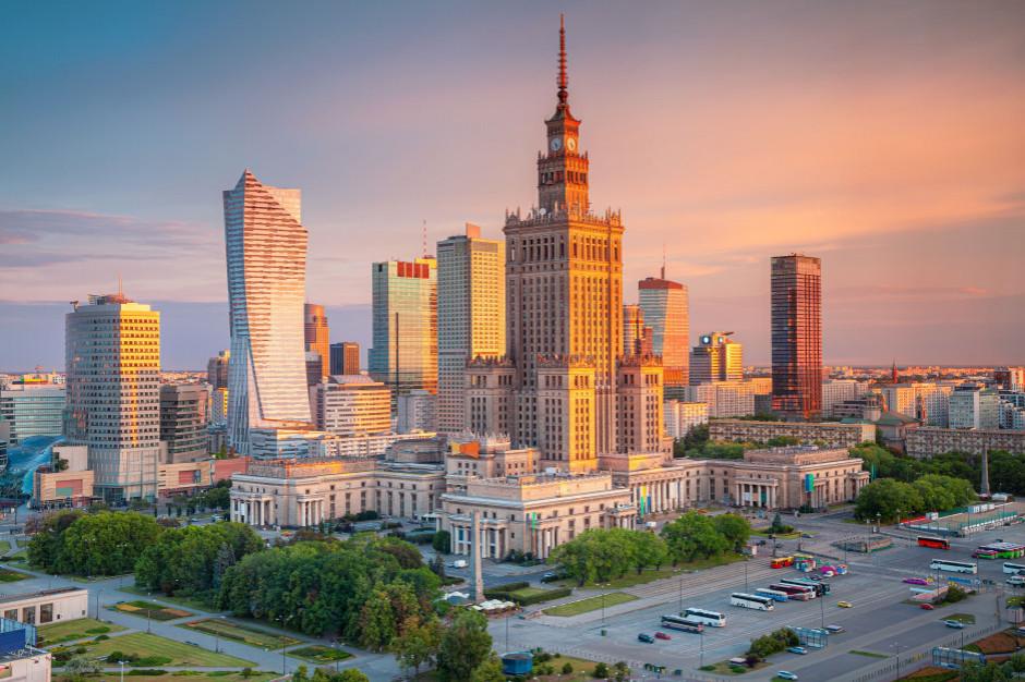 Warszawa: ok. 160 interwencji straży po burzy; podtopione ulice oraz piwnice